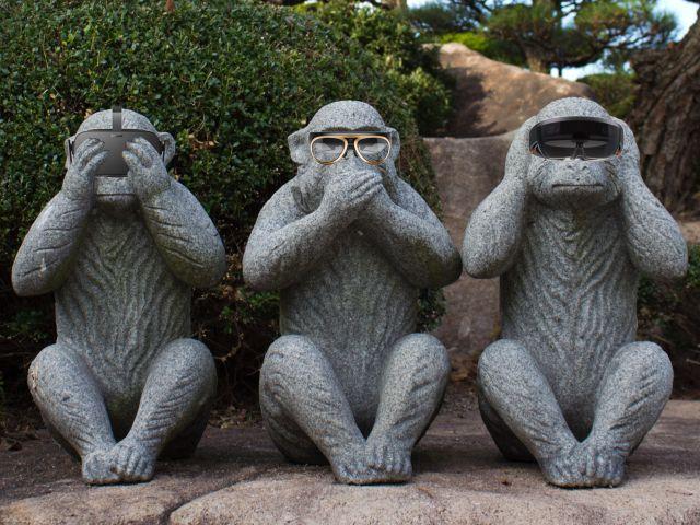 20150710-monkeys-vr-ar-mr-evil