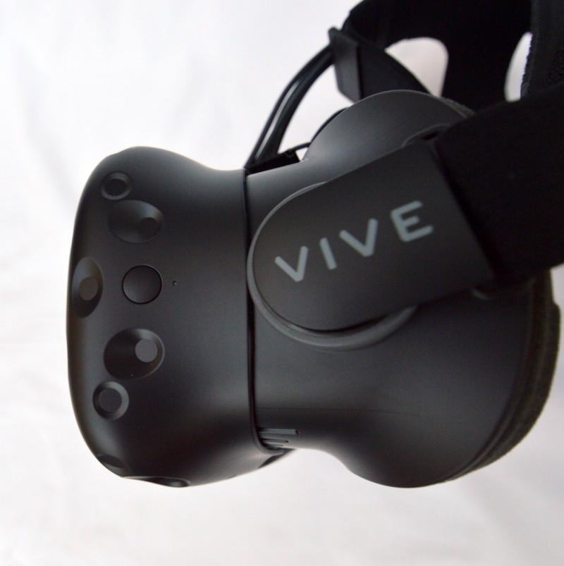 Vive-consumer-unboxing-9